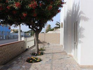 Villetta Rosso Corallo, casa al mare con giardino di 200 mq