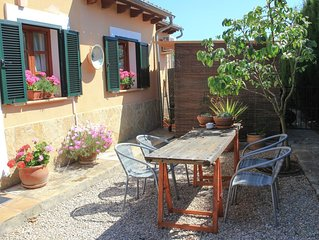 Family friendly guesthouse with pool and garden next to Palma Majorca