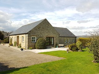 PADDOCK HOUSE, large family friendly, with fantastic views. Yorkshire Dales.