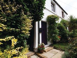 Sophie's Retreat: cottage - hot tub & log-burner - Oxton Village, Wirral