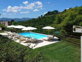 Villa La Quercia d'oro romantic Italian house near Frasassi Caves
