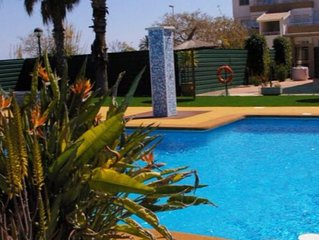 Newly decorated, furnished and landscaped luxury 3-bedroom villa in San Cayetano