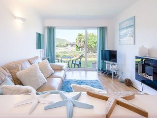 Dog friendly apartment with communal heated swimming pool in Mawgan Porth only 5