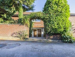 Ivy Guest House ( Entire Guest Suite)