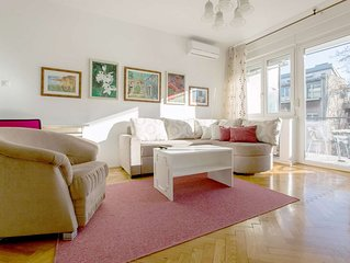 One bedroom apartment with terrace and park view