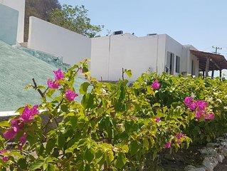 **'Casa Manzanillo Miramar 2'** Ubicada a  35Metros del Mar Fte Al Malecón