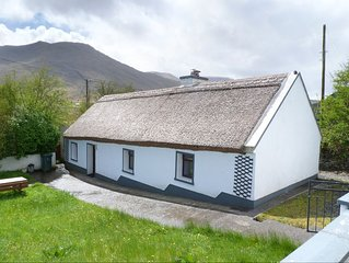 Detached Thatched Cottage for 4/5
