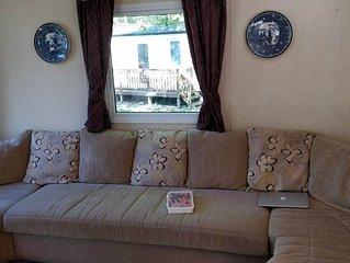 Cosy, pet and family friendly, 6-berth caravan in North Cornwall