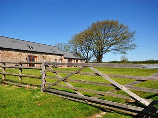 Montgomery Barn at High Park with Shared Indoor Pool and hot tub
