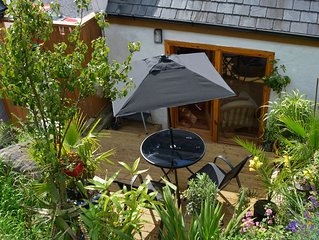 Bertra Beach Cottage - modern self catering holiday apartment, Westport, Mayo.