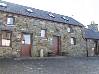 The Stables - Three Bedroom House, Sleeps 6