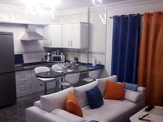 Moderna y bonita vivienda totalmente equipada, wifi  y televisión con Nexfli.