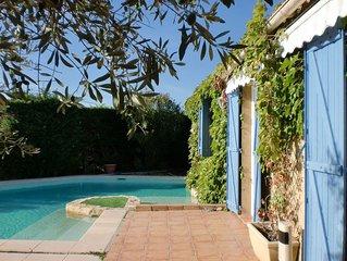 Jolie maison provençale située dans un charmant village.
