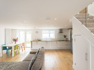 Camana, Modern Stunning Self Catering Home Carbis Bay Sea Glimpses Parking Wifi