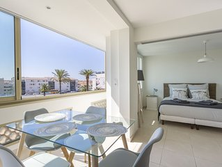 Two Bed Newly Refurbished Central Cannes Apartment