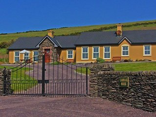 Large property to accommodate 18 people in Dingle town