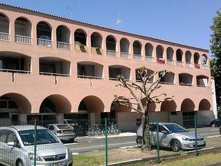 Charmant studio,  La Rochelle centre, quartier calme, avec parking