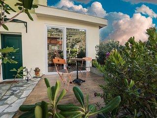 Appartamento di design al piano terra di una villetta di un tipico borgo Ligure,