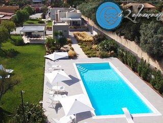 Residence   'I 2 elementi' splendide ville con piscina sul mare di Noto