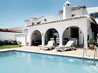 Magnifique villa proche de la mer avec piscine. Vue sur mer!