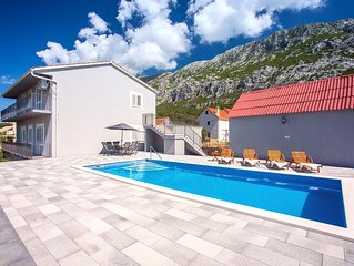New! Apartment Family dream with private pool, 3 bedrooms, suitable for 8 people