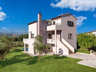 Villa Olvini ✩ Private Yard & Pool ✩ Special Offer ✩ 8 Guests
