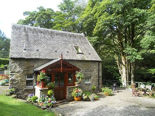 Barn Cottage, beautifully located by the Falls of Dochart