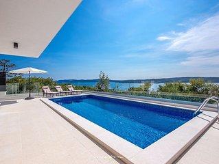 Modern luxury villa with pool near Crikvenica