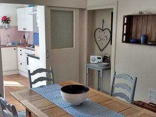 Spacious maisonette, central Whitby, sleeps 4, close to all amenities