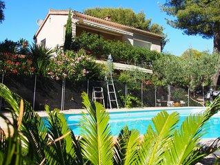 Appartement climatise dans Villa,  havre de verdure, piscine chauffee securisee