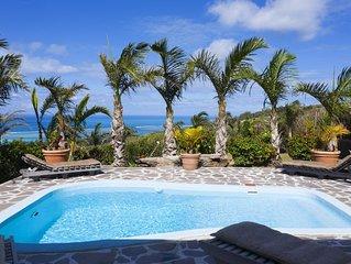 Villa Fenêtre sur mer Coromandel près des plages de Graviers avec Wifi , piscine