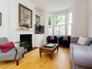 Beautiful family home with garden close to Clapham and the River Thames (Veeve)
