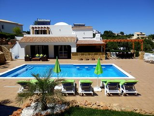 'CASATINA' Beautiful 4 Bed Air conditioned Family Villa on popular ClubAlbufeira