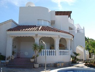 Luxury 5* Villa own Pool & Gardens in La'Azohia. 5 mins walk to Beach. Free WiFi