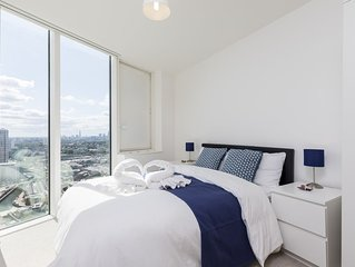 Stunning apartment on 30th floor in London Olympic park