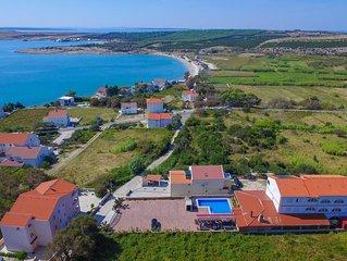 Vila Caska -ap4 - for 4 people- Zrce beach, pool, wifi, air conditioner