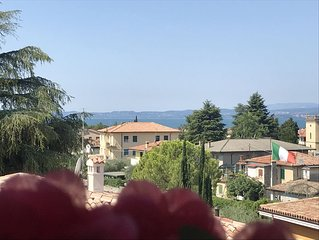 SUITE FRANCY APARTMENT LAKE VIEW, FAMILY RELAX,  WIFI,  CLIMA, BALCONY, PARKING