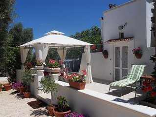 Romantic Trullo for 2  sea view pool Wifi, wonderful peaceful garden