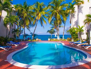 Paradise Suite apt 9  Ocean Views/ Free Wi Fi/ Steps to the Ocean.