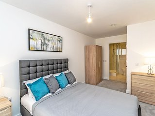 City Centre Luxury 2 Bed with Balcony - Halo House