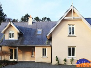 Well kept 4 bedroom holiday home close to Kenmare and Dromquinna
