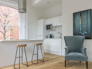 Luxury Two Bed Leeds Apt Inc Parking Great Location