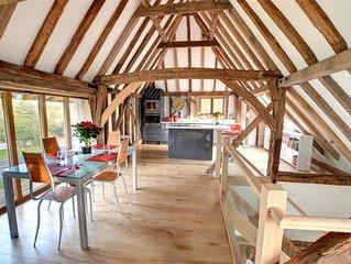 Saddlehurst Barn - Two Bedroom House, Sleeps 4