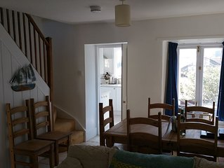 Gorgeous, quiet, and well situated homely pet friendly cottage