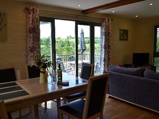 Foxglove Lodge - a lovely lodge set in 19 acres and only 8 miles from Bude beach