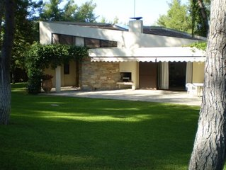 Traditional villa for 6 people in Sani