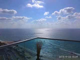 Beautiful 5 Rooms In Front The Sea