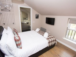 Norwick  - sleeps 6 guests  in 2 bedrooms