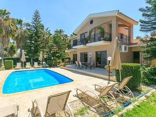 Villa Stefanos: Large Private Pool, Walk to Beach, A/C, WiFi, Eco-Friendly