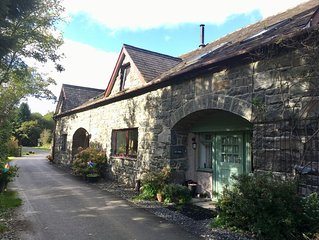 Get cosy in amazing Snowdonia National Park location!